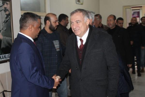 CHP'li vekiller Akçakale'de çiftçinin sorunlarını konuştu
