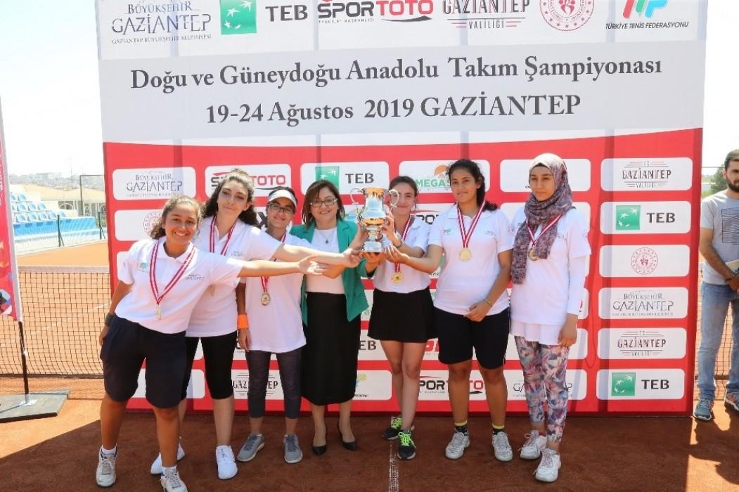 Şanlıurfalı kadın sporcular, Antep'te kazandı