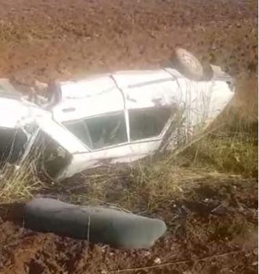 Urfa'da araç takla attı: 2 yaralı