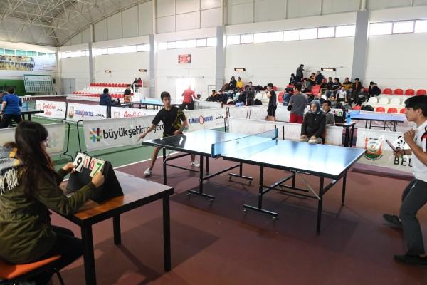 Urfa'da masa tenisi turnuvası düzenlendi