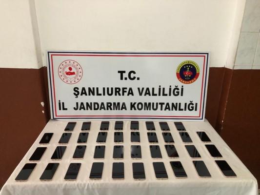 Viranşehir'de 38 adet kaçak cep telefonu ele geçirildi