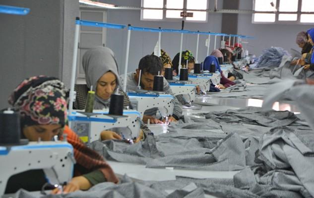 Viranşehir'deki ilk tekstil fabrikası üretime başladı